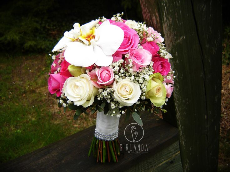 Wedding bouquet with pink, white and green Roses and white Phalaenopsis. Made by Kwiaciarnia Girlanda Białystok