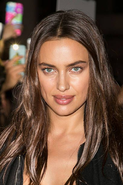 Irina Shayk || The GIVENCHY Fashion Show (October 2, 2016)