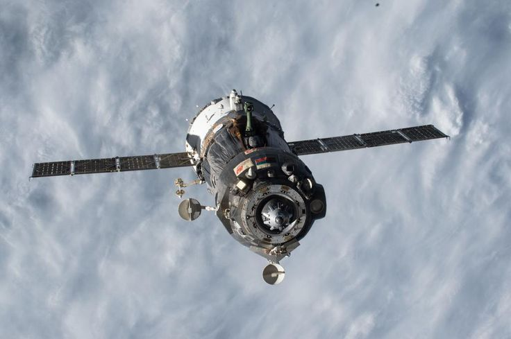 What a beauty! Our #Soyuz right after undocking – by then, we had been in our seats for well over 2 hrs. #JourneyBack