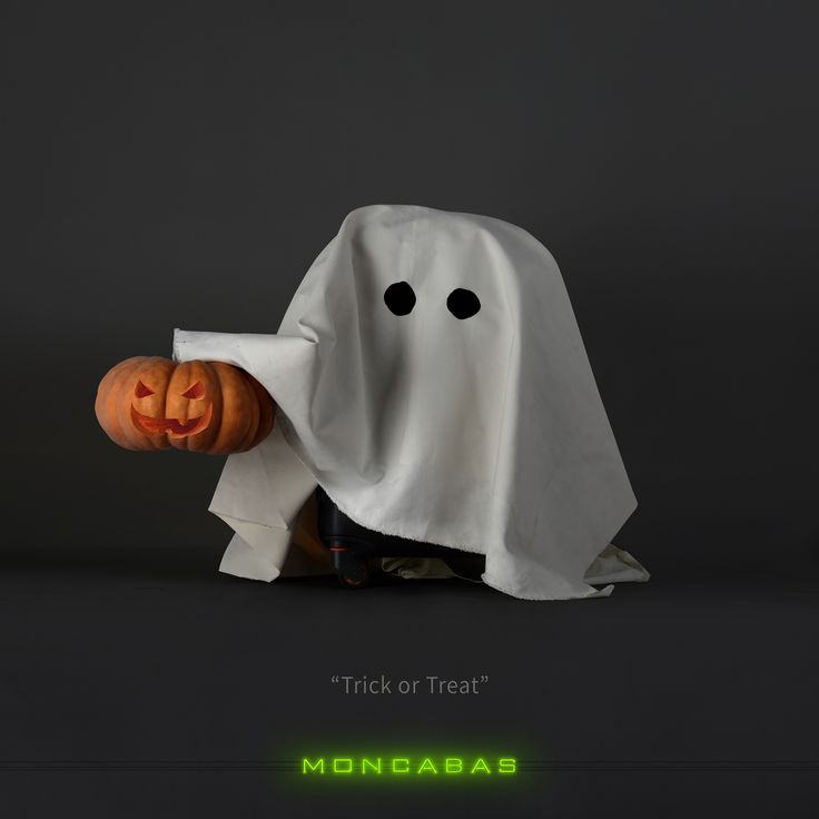 THIS GHOST IS THE TAF LUGGAGE OF MONCABAS FOR HALLOWEEN CONCEPT ART.