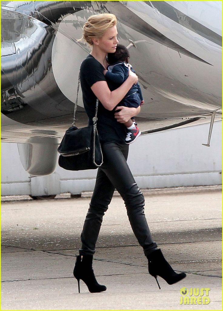 A baby, the perfect accessory when a lady looks this good.: Stella Mccartney, Falabella Bags, Charlize Theron And Sons, Mccartney Bags, Falabella Handbags, Bags Wallets, Personalized Style, Mccartney Falabella, Bags Stella