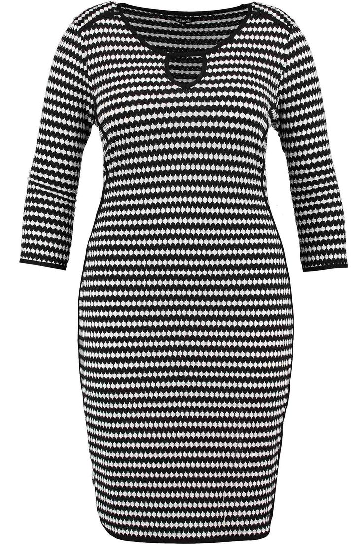 Dress | Black & White | Stripes | Fashion | Plussize fashion | Streep jurk | Zwart & wit