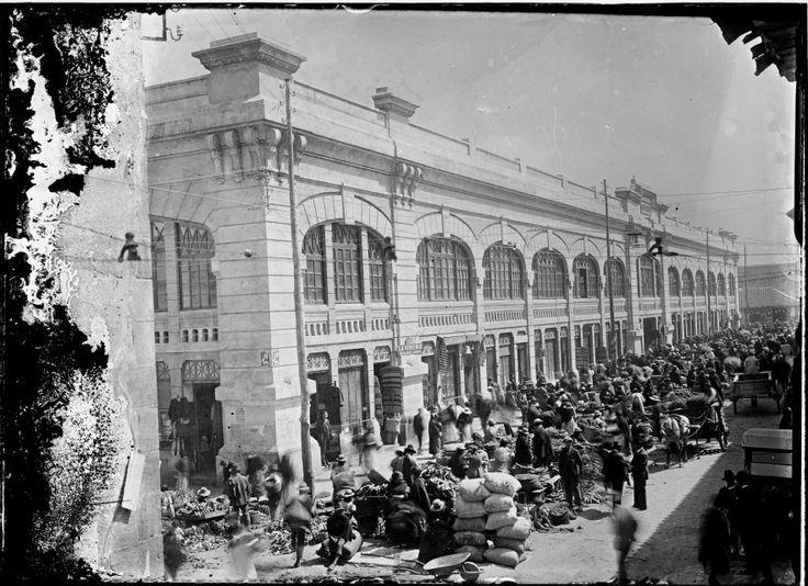 Plaza de Mercado Central / Anónimo / c.a. 1910 / Fondo Luis Alberto Acuña Casas / Colección Museo de Bogotá: MdB 00112 / Todos los derechos reservados