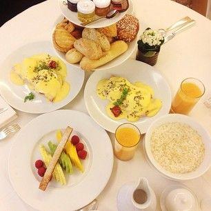 .@kristina_bazan (Kristina Bazan) 's Instagram photos | Webstagram - the best Instagram viewer Wanna try eggs Bennedict!