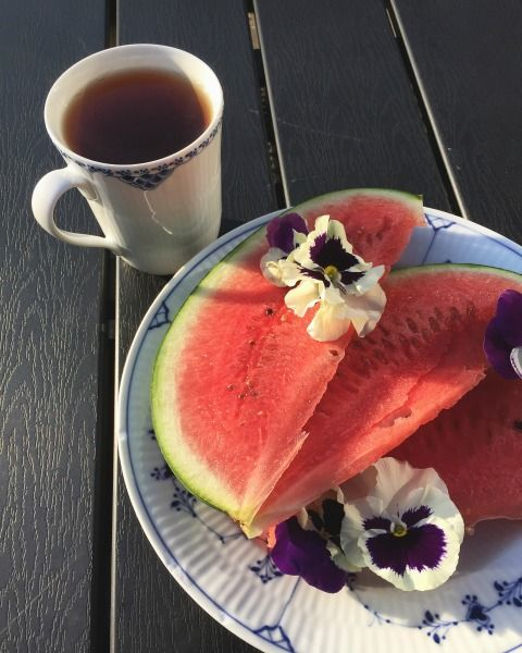 Watermelon, tea and Royal Copenhagen by blogliebling.dk