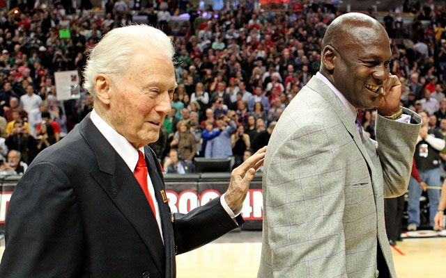 MJ, Jackson pay their respects to Johnny Bach #MichaelJordan...: MJ, Jackson pay their respects to Johnny Bach… #MichaelJordan
