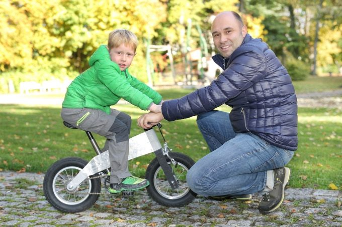 """The balance bicycle """"JURO"""" was created for toddlers and can later be enlarged to a regular bicycle with just a few simple steps."""