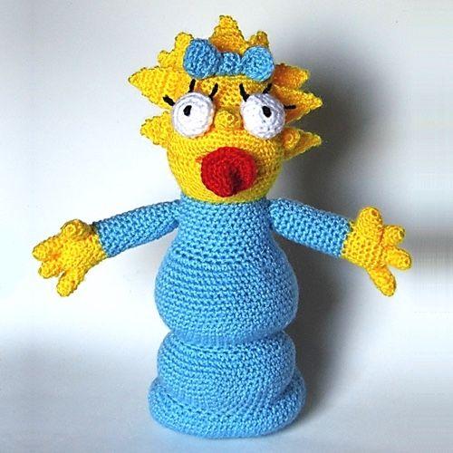 Muñeca Maggie Simpson Amigurumi - Patrón Gratis en Español aquí: http://www.patronesamigurumi.org/patrones-gratuitos/personajes/maggie-simpson/
