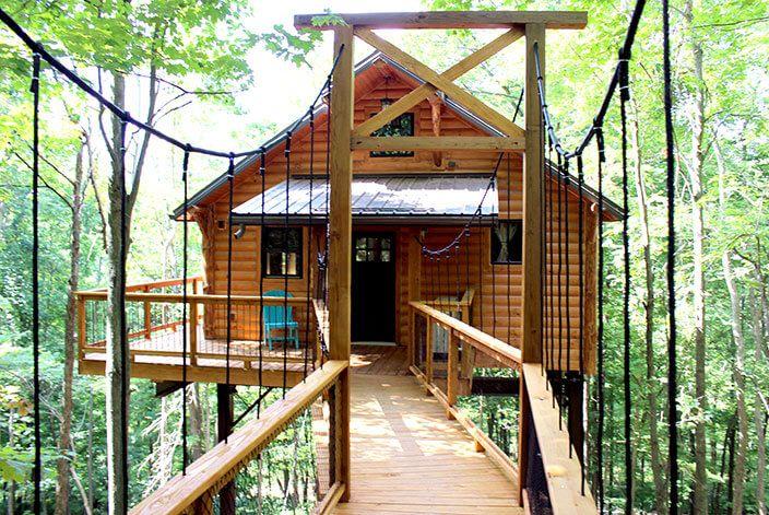 Treehouse Lodging In Ohio Romantic Cabin Getaway Getaway Cabins
