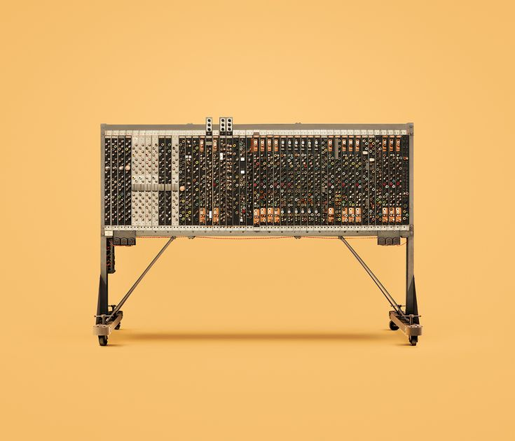 This colourful series of ten historic computers, created in close collaboration between INK and Docubyte, documents the beginning of our computing history.Featuring such famous machines as the IBM 1401 and Alan Turing's Pilot ACE, Guide to Computing sho…
