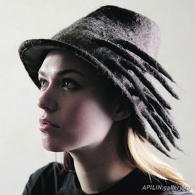 Julia Rossi: Fieltro sombreros - #Tocados y #sombreros en @BijouPrivee