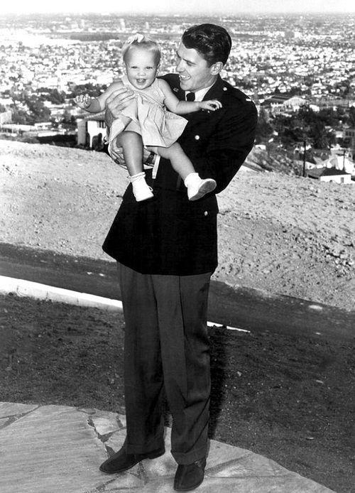 Ronald Reagan with daughter Maureen