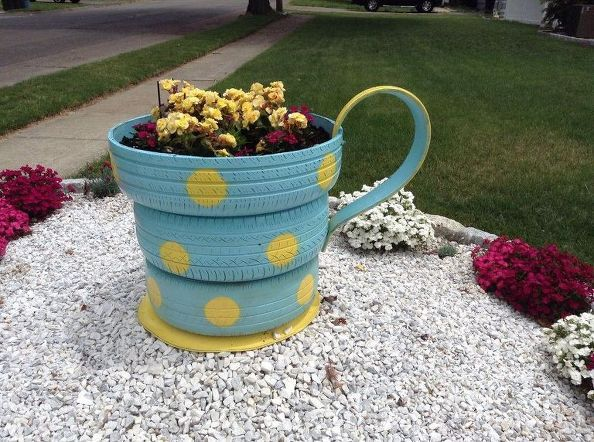 451 best images about things to do with old tires on pinterest - Recycled containers for gardening ...