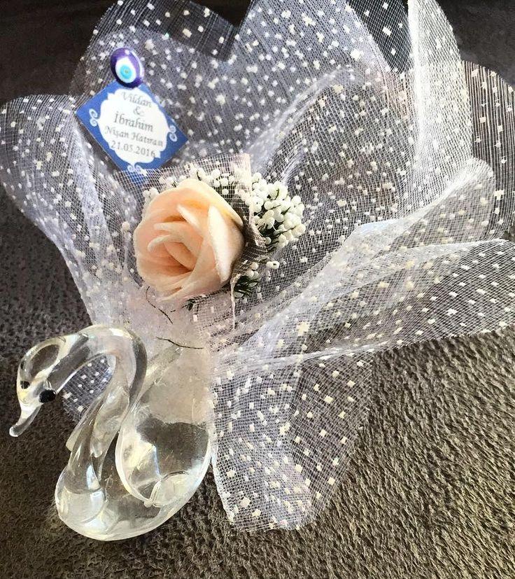 """18 Beğenme, 1 Yorum - Instagram'da nikah🎀babyshower🎀yasgünü🎊🎀🍬🎁🎉 (@happypinktr): """"#love #happy #happyday #aşk #kuğu #gelinlereözel #gelin #ceremonyflowers #wedding #nikahşekeri…"""""""