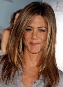 quelle couleur à jennifer aniston - Coiffure et coloration - FORUM Beauté