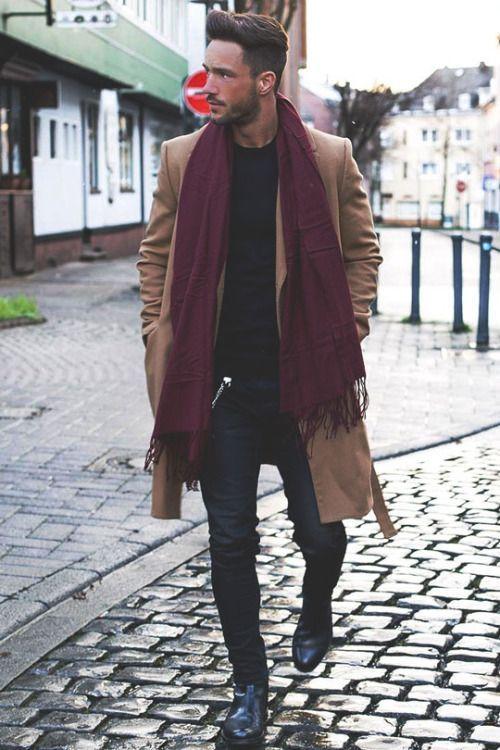 Cachecol, Cachecol para Homens. Macho Moda - Blog de Moda Masculina: Cachecol Masculino: Dicas para Homem usar Cachecol, Look Masculino com Cachecol, Casaco Bege, Cachecol Vinho, Calça Skinny, Bota preta masculina