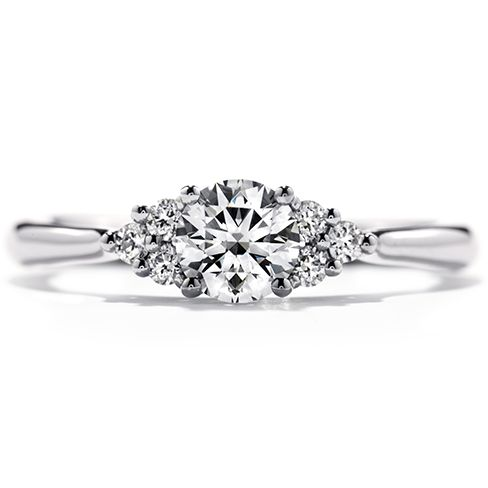 My actual platinum engagement ring.... Felicity Queen Anne - Hearts On Fire. Fit for a queen <3 x x x