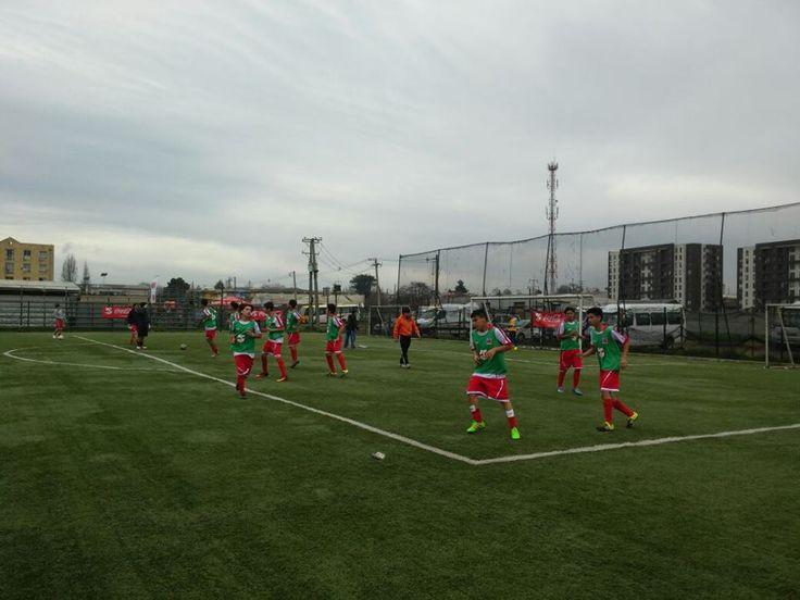 Nuestros alumnos Jugando la copa Coca-cola, en Concepción. #Tecnológicodaríosalas #CDSChillánviejo #Futbol