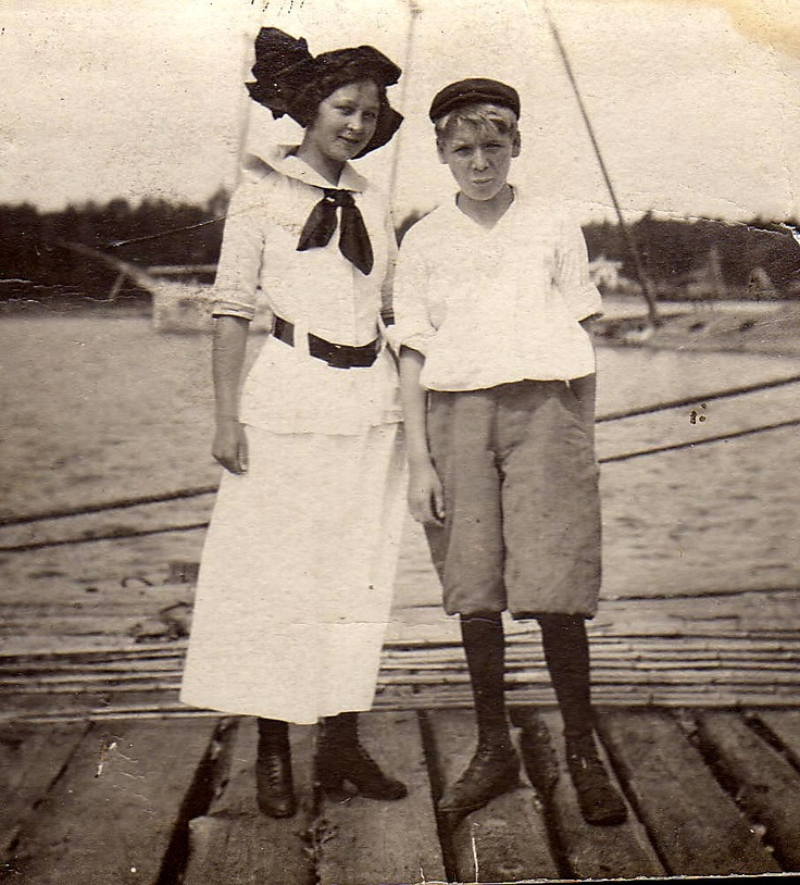 Sailor outfit for sailing, c 1915-