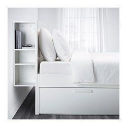 IKEA - BRIMNES, Seng med oppbevaring og hodegavl, 140x200 cm, -, , De 4 integrerte skuffene gir deg ekstra oppbevaringsplass under senga.Overhylla har åpninger for ledninger til lamper eller ladere.Justerbare sengesider slik at du kan bruke madrasser av ulike tykkelser.