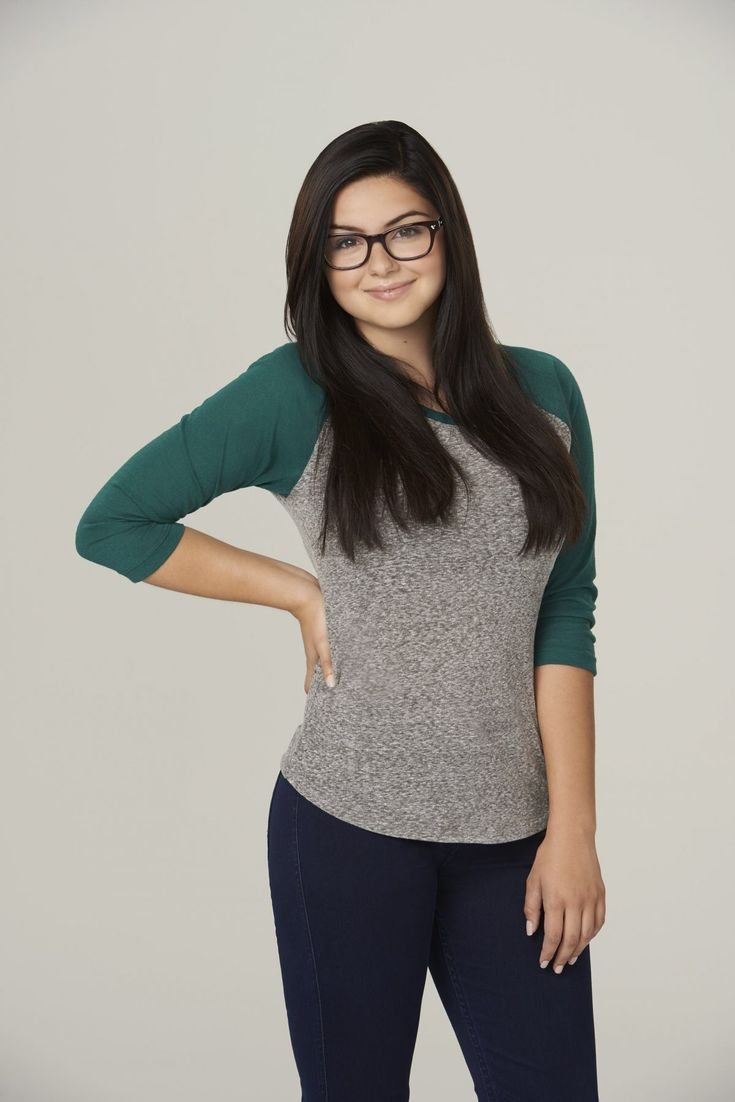Ariel Winter (Alex Dunphy) Modern Family Season 6 Promo Photo