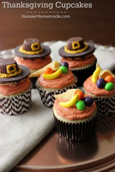 Cute Thanksgiving Cupcakes with Pilgrim Hats and Cornucopia on them! The kids will have a blast helping you decorate these cupcakes! Pin to your Thanksgiving Board!