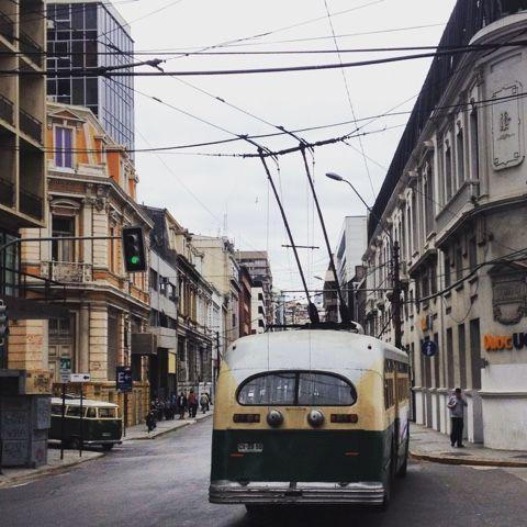 Apuntes y Viajes: Los troles, como antaño #Valparaíso #Chile
