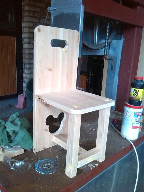 Little chair ... disney style