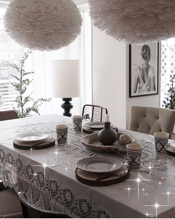 This starry eyed dining area from @jbhome is perfect for a Sunday brunch.