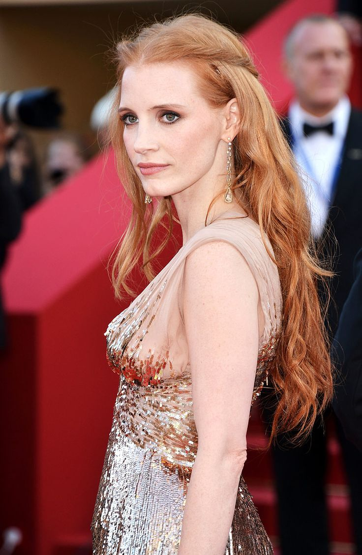 Jessica Chastain @ Cannes... beautiful hair!