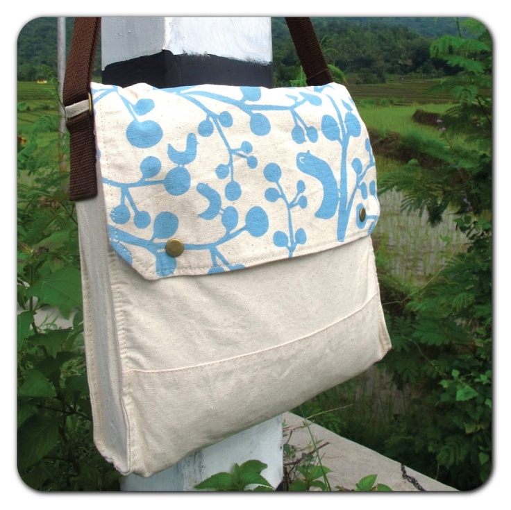 Simple Sling Bag :  blue