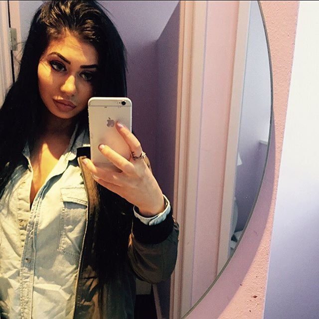 Pin for Later: This Girl Looks So Much Like Kylie Jenner, You'll Have a Hard Time Keeping Up