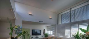 Berkley Ceilings is a family owned company, install all types of suspended ceilings systems, steel stud partitions, fire rated systems, acoustic systems and insulation in Perth, with a complement of staff and trades.  http://www.berkleyceilings.com.au/