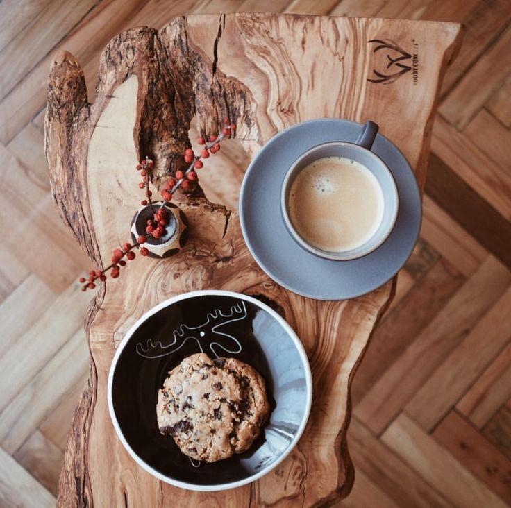 Via @gununkahvesi ☕️ #worldsuniquedesigns #loveit #coffee #cookies #wood #friday #fridaymood #coffeetime #coffeecup #todayscoffee #todayscoffeechoice #coffeelove #coffeeaddict #style #design #designer #wooddecor #woodfurniture #woodworking #wooddesign #designlove #designlife #designideas #details #likepost #likelikelike