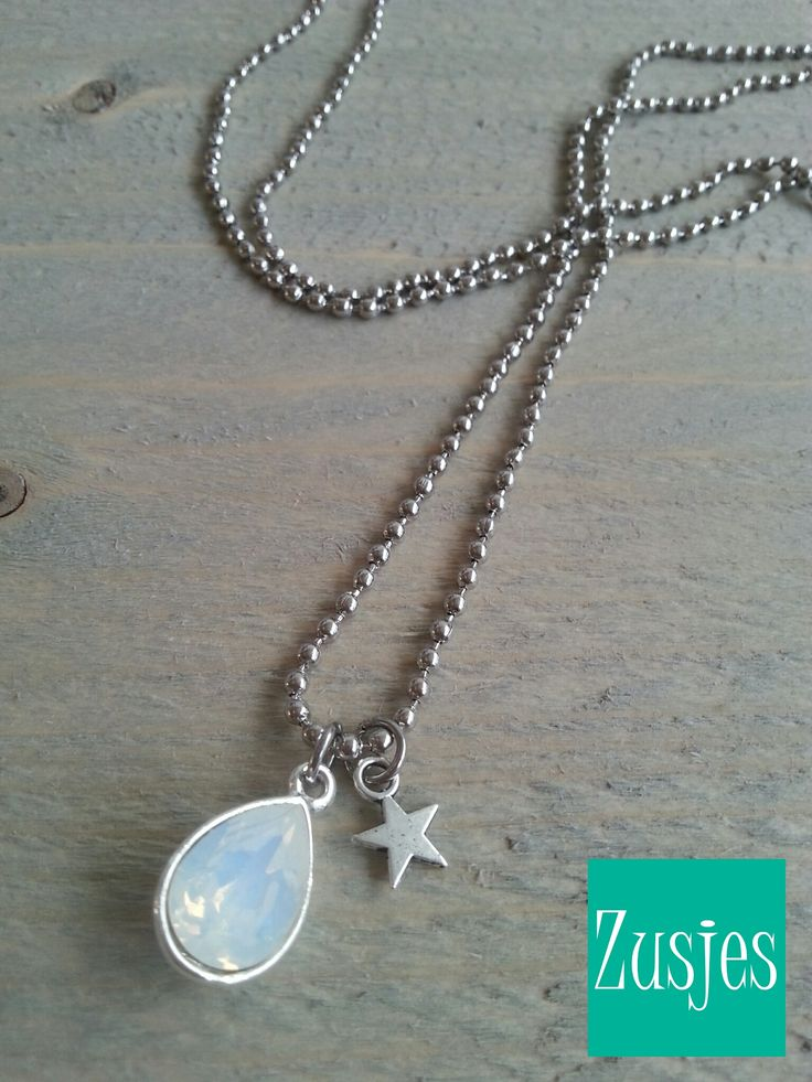 Swarovski necklace, with long ballchain, little star en teardrop Swarovski stone