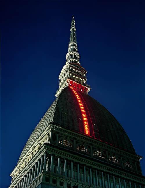 Luci d'artista a #Torino: Volo dei numeri, Mario Merz. #lucidartista
