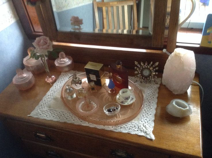 I bought this Dressing Table to accommodate my Mothers 21st Birthday Gift, the depression glass vanity set.  She would have been 100 years in May 2015,  Miss you Mum xxx