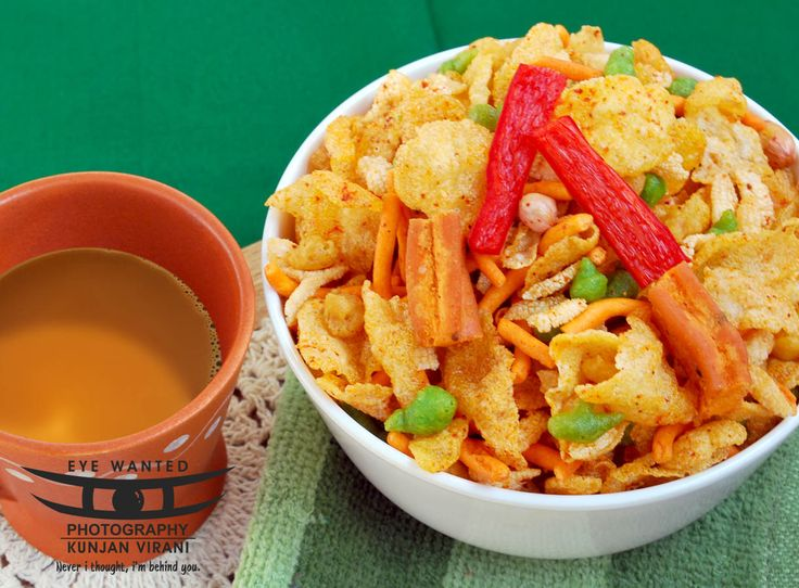 Hot Chilly and Spicy Favorite for Indian People, Tikha Chivda Namkeen