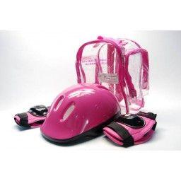 Śliczny zestaw ochraniaczy na kolana i łokcie oraz kask zapakowany w przezroczysty plecaczek. Jest lekki, poręczny i zabezpieczy każdą dziewczynkę przed stłuczeniami i otarciami.