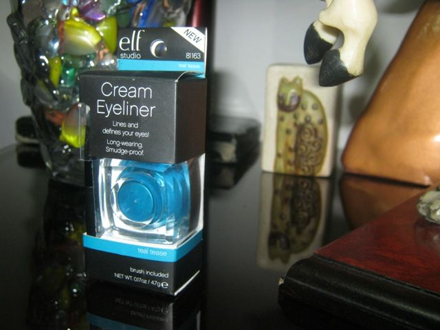 #ELF #Cream #Eyeliner #Teal #Tease #review #price and details on the blog post