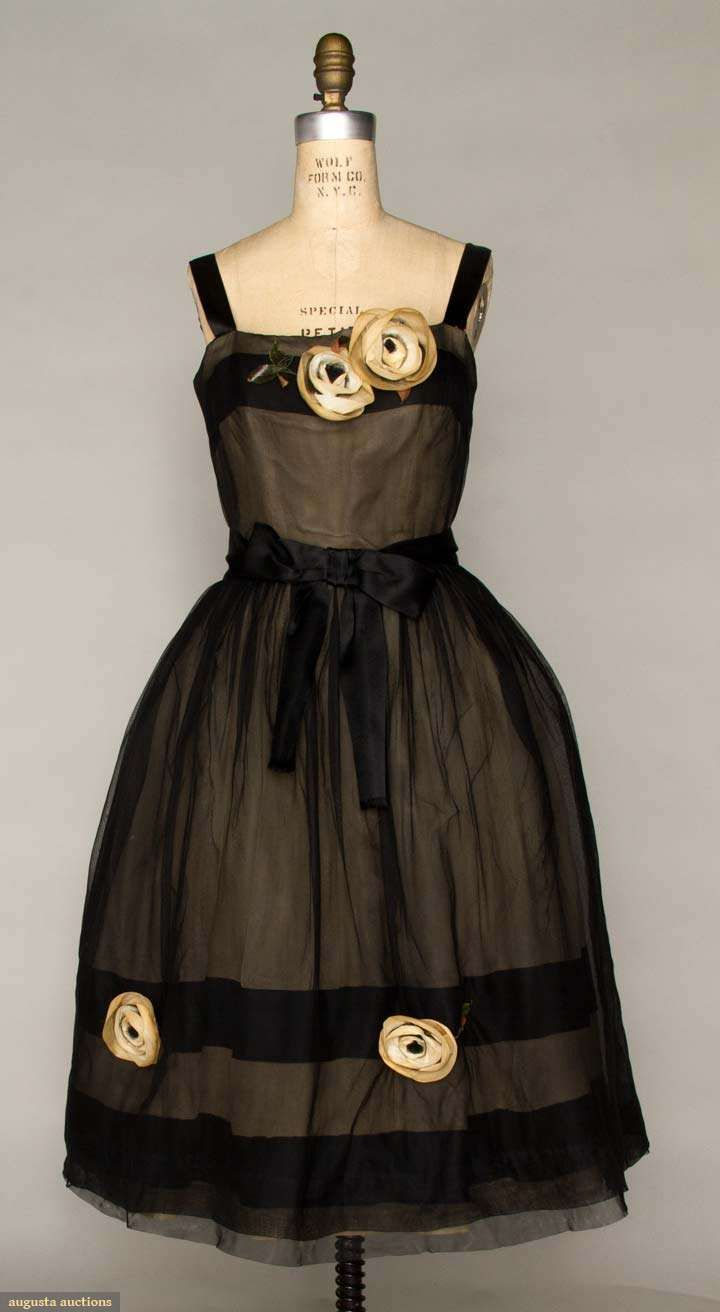 Degas called, he wants you to wear this for his next masterpiece.