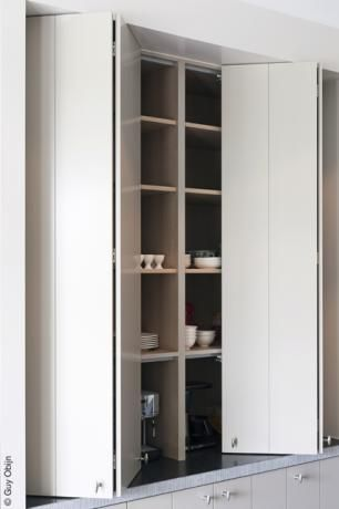 Tijdloos Design | http://www.medicalcaresolutions.nl/page/Keukens.  Nice cabinet doors.