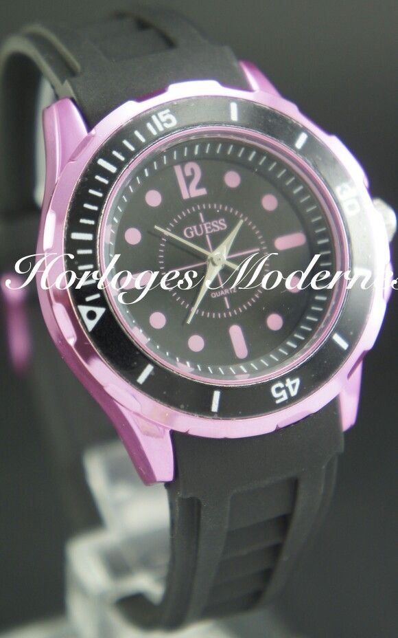 Guess goma negro