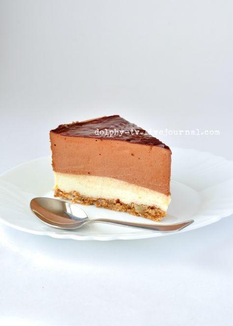Большой очаровательный торт-суфле. Состоит из коржа с грецкими орехами, апельсинового и шоколадного муссов. Очень нежный и вкусный :) Рецепт сочинен Наташей natapitи…