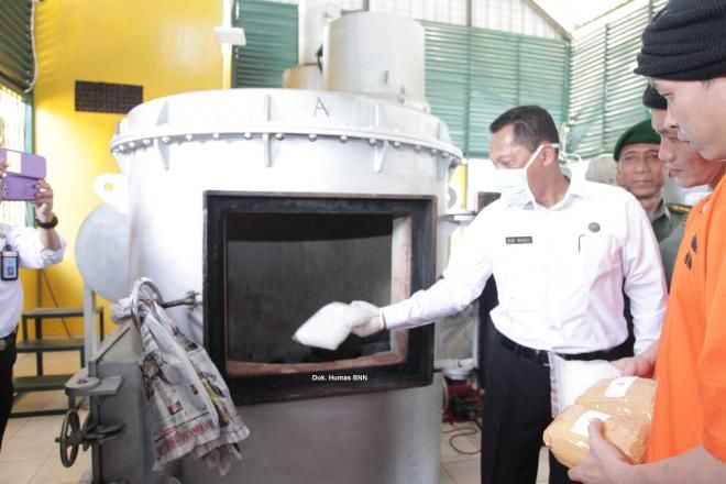 Covesia.com - Bekerjasama dengan Rumah Sakit Pusat Angkatan Darat (RSPAD) Gatot…