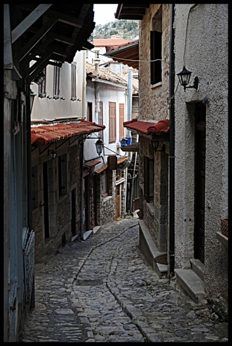 old picturesque alley at #Dimitsana, #Arkadia #discover_Peloponnese discover-peloponnese.com