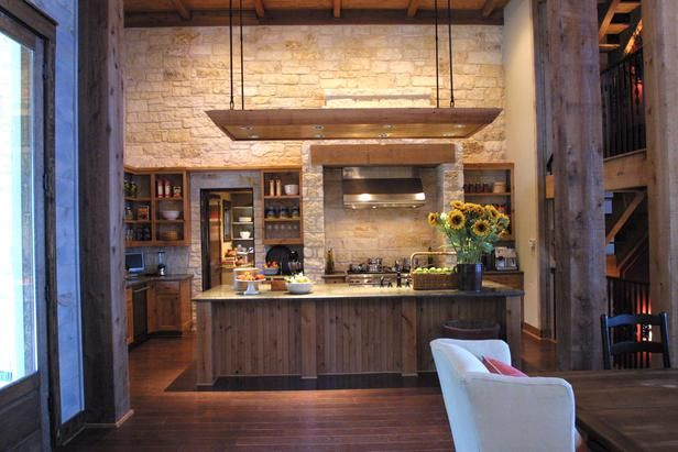 HGTV Dream Home 2005 features a Texas-sized kitchen with creamy limestone and stainless steel appliances.: Dreams Kitchens, Dreams Houses, Kitchens Pictures, Stones Wall, Hgtv Dreams Home, Rustic Kitchens, Kitchens Ideas, High Ceilings, Home Kitchens