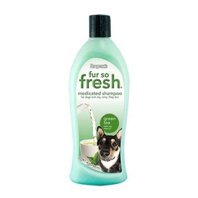 Sergents Yeşil Çaylı Cilt Hassasiyeti için Köpek Şampuanı 500 Ml Kuru kaşıntılı, pul pul olan ciltler için özellikle iyileştirici ve rahatlatıcı özellikli özel formülasyona sahip yeşil çay içerikli köpek şampuanıdır.
