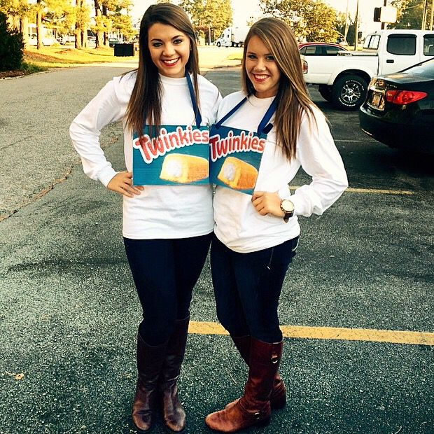 DIY easy and cute twin day outfit or Halloween costume   Twinkies   SpiritWeek     Homecoming WeekHomecoming IdeasTwin. 85 best twin day costumes  images on Pinterest