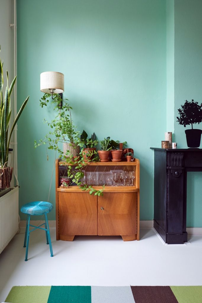 Colorful interior in Nijmegen, The Netherlands. Check out ou new hometour! Photography by Marije Kuiper - Roomed